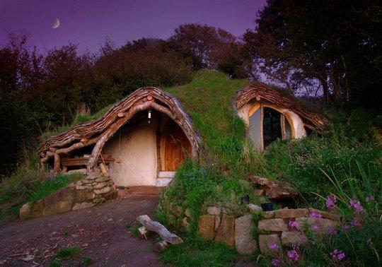 Земляной домик, Англия