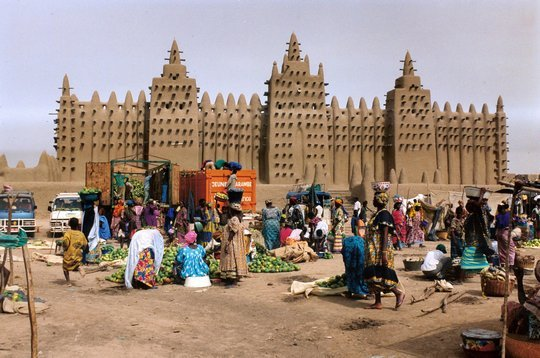 Песочно-глинистая Мечеть Дженне. Мали
