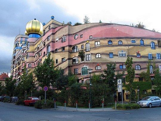 "Здание ""Лесная спираль"" (Forest Spiral Building)"