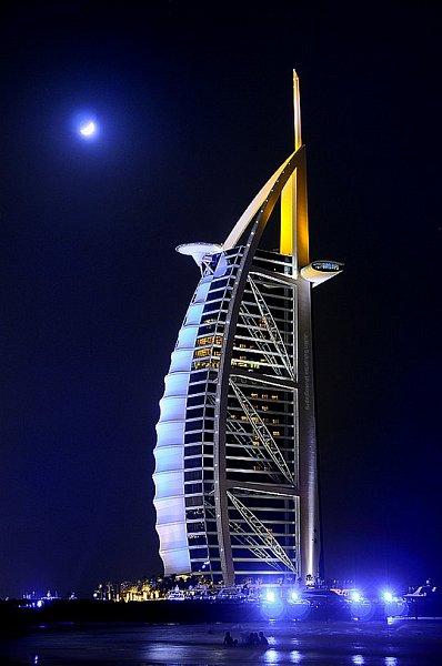 Знаменитый Отель Burj Al Arab в эмирате Дубай