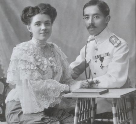 Принц Чакрабон с женой Екатериной Десницкой