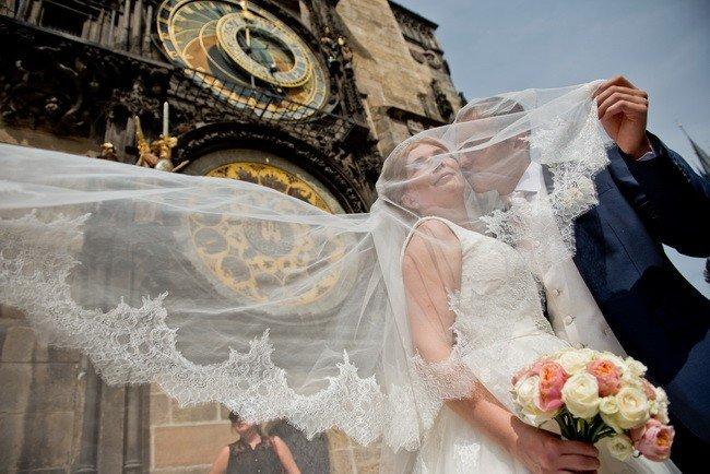 2158785b1ee8a4c Свадьба в Чехии в Стероместской Ратуше