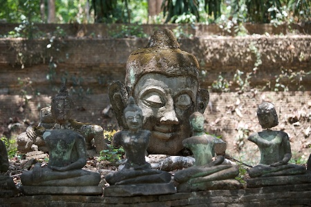 Храм Wat Umong